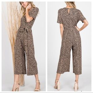 Hottest Style Leopard print ankle length jumpsuit